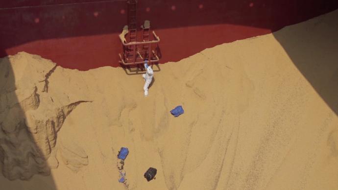 """进口大豆中""""捞""""出毒品:海关查获逾215公斤可卡因"""