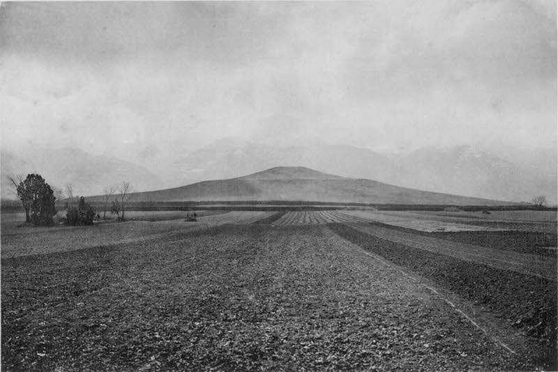 图2、秦始皇骊山陵,谢阁兰考察团1914年拍摄