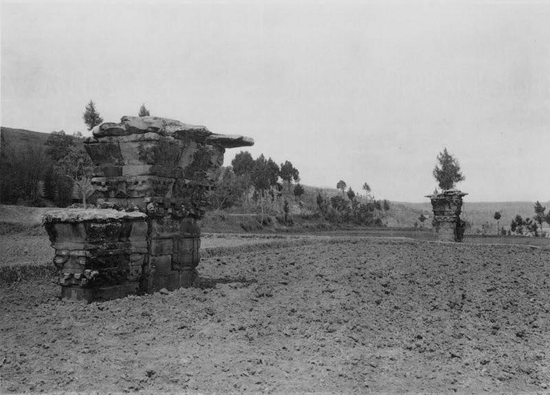 图7、平阳府君双阙,谢阁兰考察团1914年拍摄