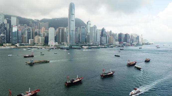 """100岁与24岁:香港""""7·1""""庆双生"""