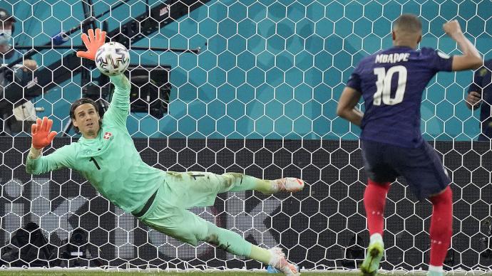 体坛联播|26万球迷要求法国瑞士重赛,桑乔八千万转会曼联