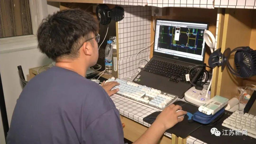 揚州市職業大學土木工程學院建工2001班大一學生高秀祥。 本文圖片 江蘇新聞微信公眾號