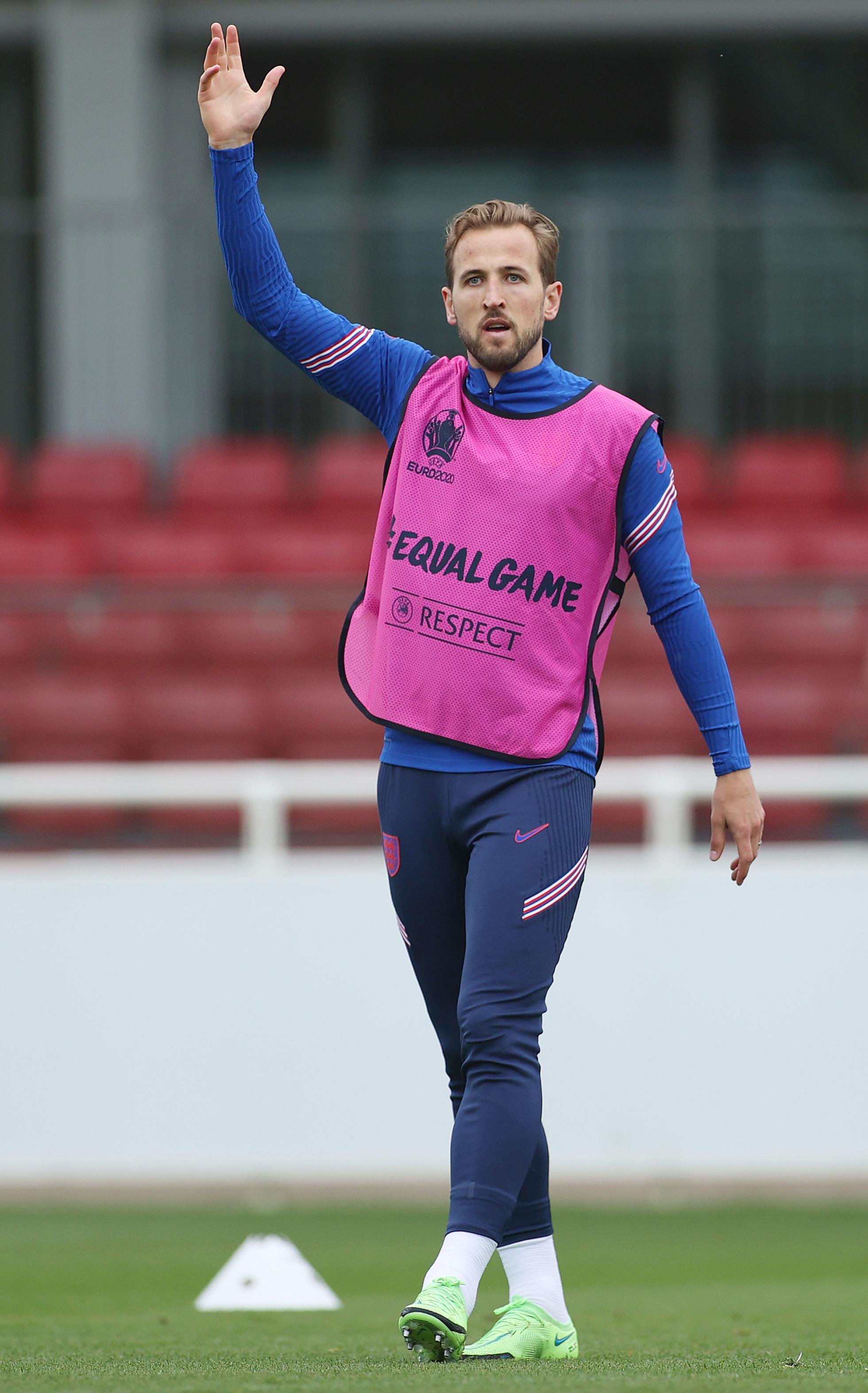 英格兰队长凯恩已经打开进球账户。