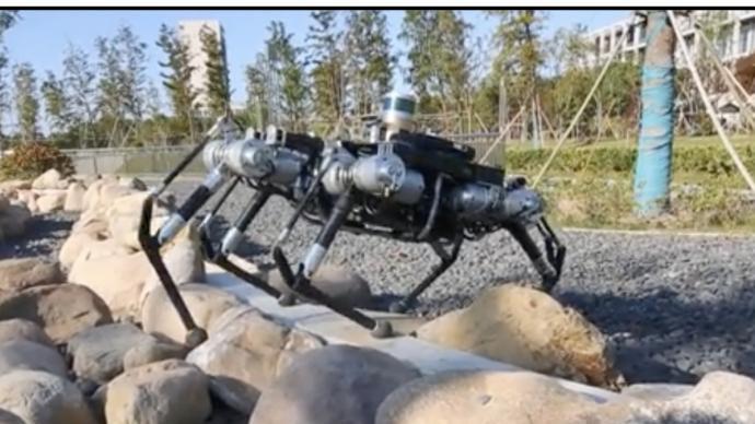 世界人工智能大会召开在即,上海交大多足机器人将亮相