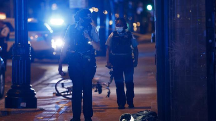 """美国芝加哥经历""""血腥周末"""":至少38人中枪,10人死亡"""