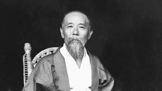"""沙青青评《伊藤博文》︱对""""日本俾斯麦""""的善意解读"""