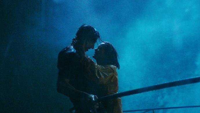 《安妮特》:卡拉克斯的歌舞之夢
