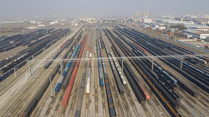 上半年國家鐵路發送貨物18.45億噸,同比增長8.9%