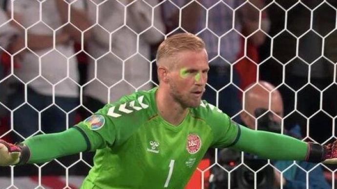 歐足聯:將調查歐洲杯半決賽中丹麥門將遭激光筆照射一事