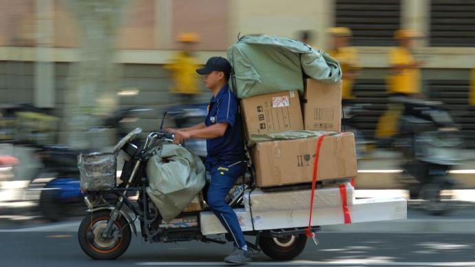 央视评论:快递员有保障,行业才能持续健康发展