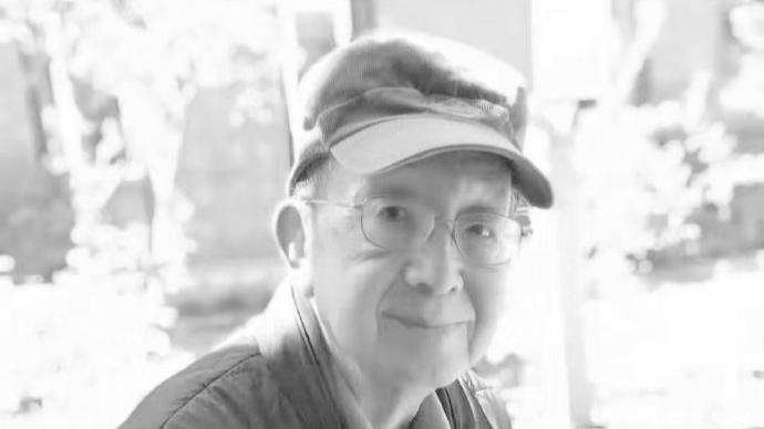 著名畫家、人民文學出版社退休干部秦龍因病逝世,享年82歲