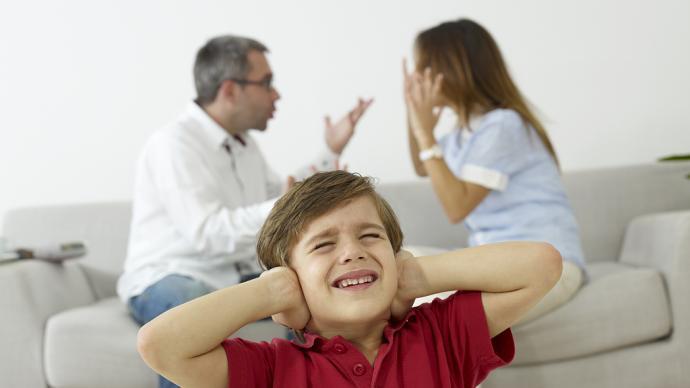 心理问答|不想用规矩限制孩子,反而得不到尊敬?