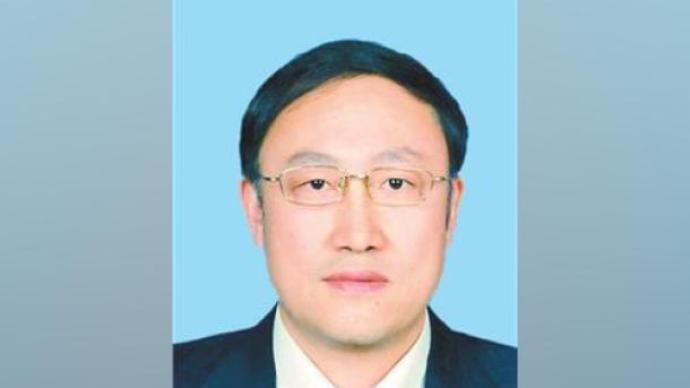李邑飞任新疆维吾尔自治区党委副书记、教育工委书记