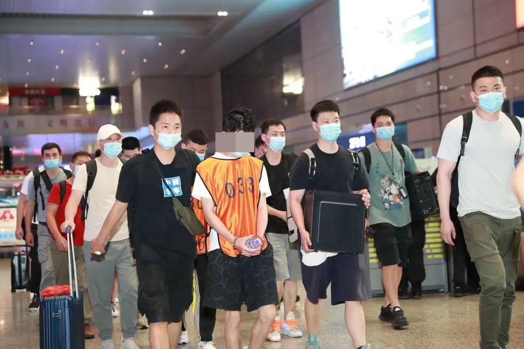 """本文图片均为""""警民直通车上海""""微信公号 图"""
