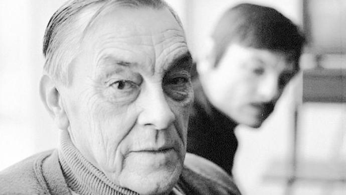 塔可夫斯基:一生都在电影中寻找与父亲的诗歌的触碰