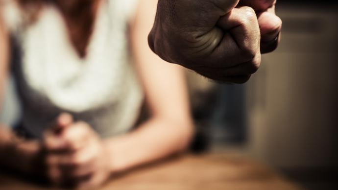 中国妇女报:防范分手暴力,加强家暴高危案件的筛查和及时处置