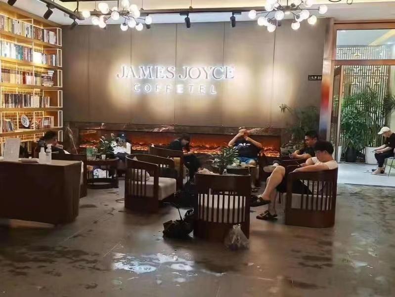 锦江酒店(中国区)旗下某酒店滞留旅客。