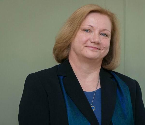 波兰华沙大学的Danuta Stasik教授