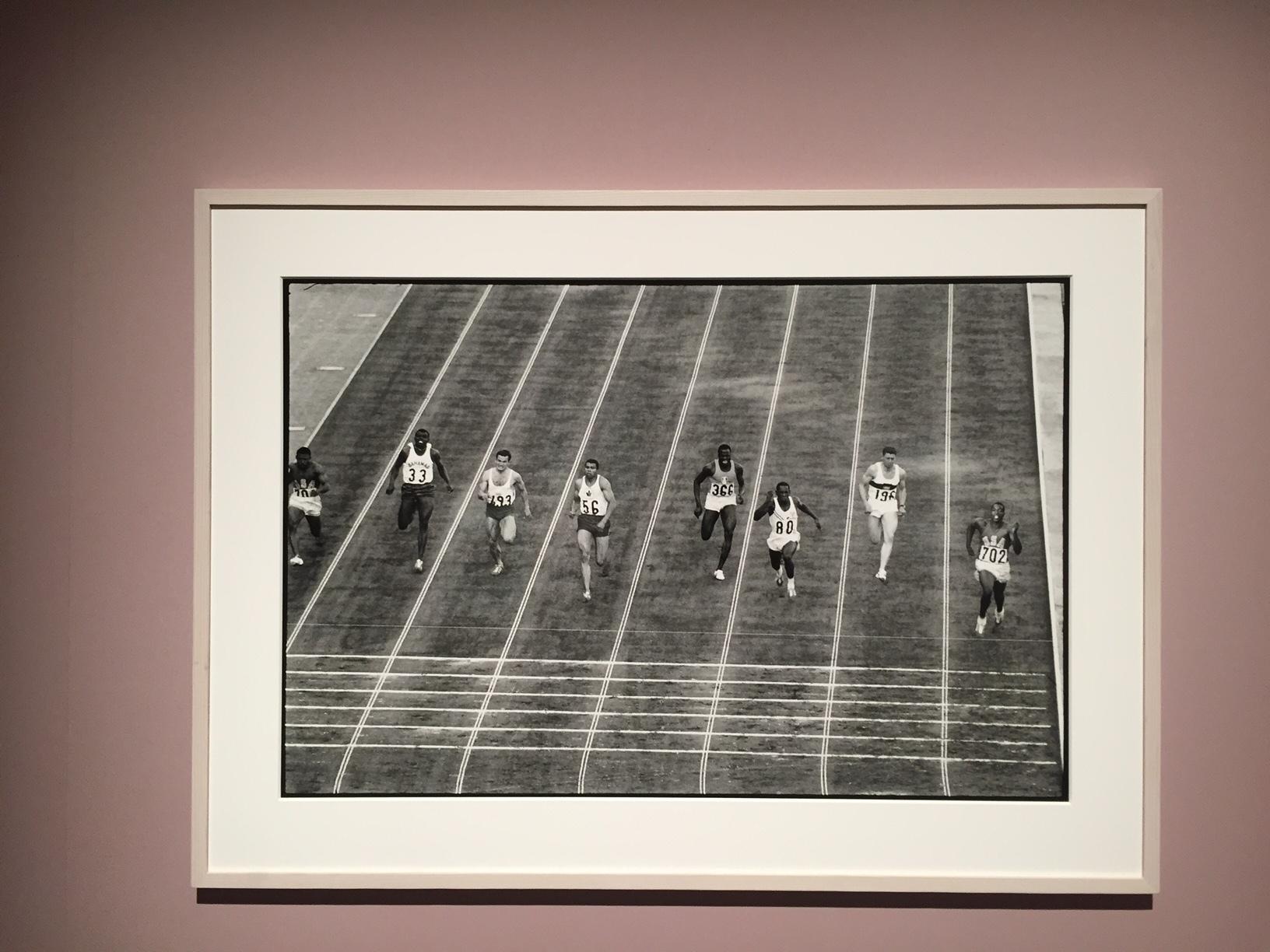 """DEPARDON/TOKYO 1964-2016""摄影展中展示的现场照片 ©️ 小池タカエ"