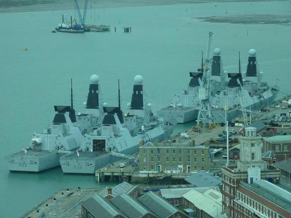 """45型驱逐舰曾出现多次大范围""""趴窝""""的情况。"""