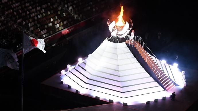 """决战东京·开幕 """"黑暗隧道尽头的光亮""""东京奥运点火仪式"""