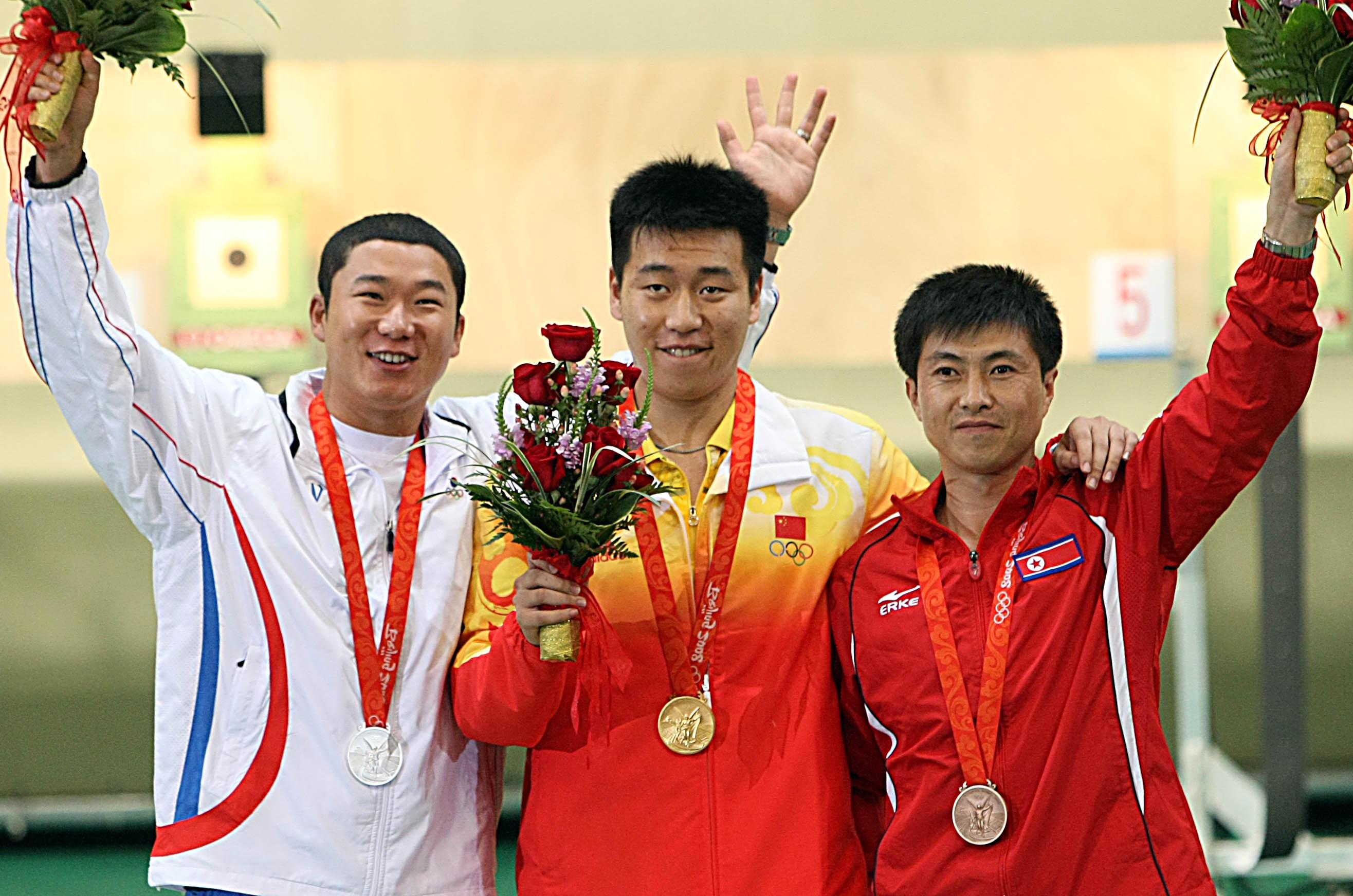 北京奥运,庞伟夺金。