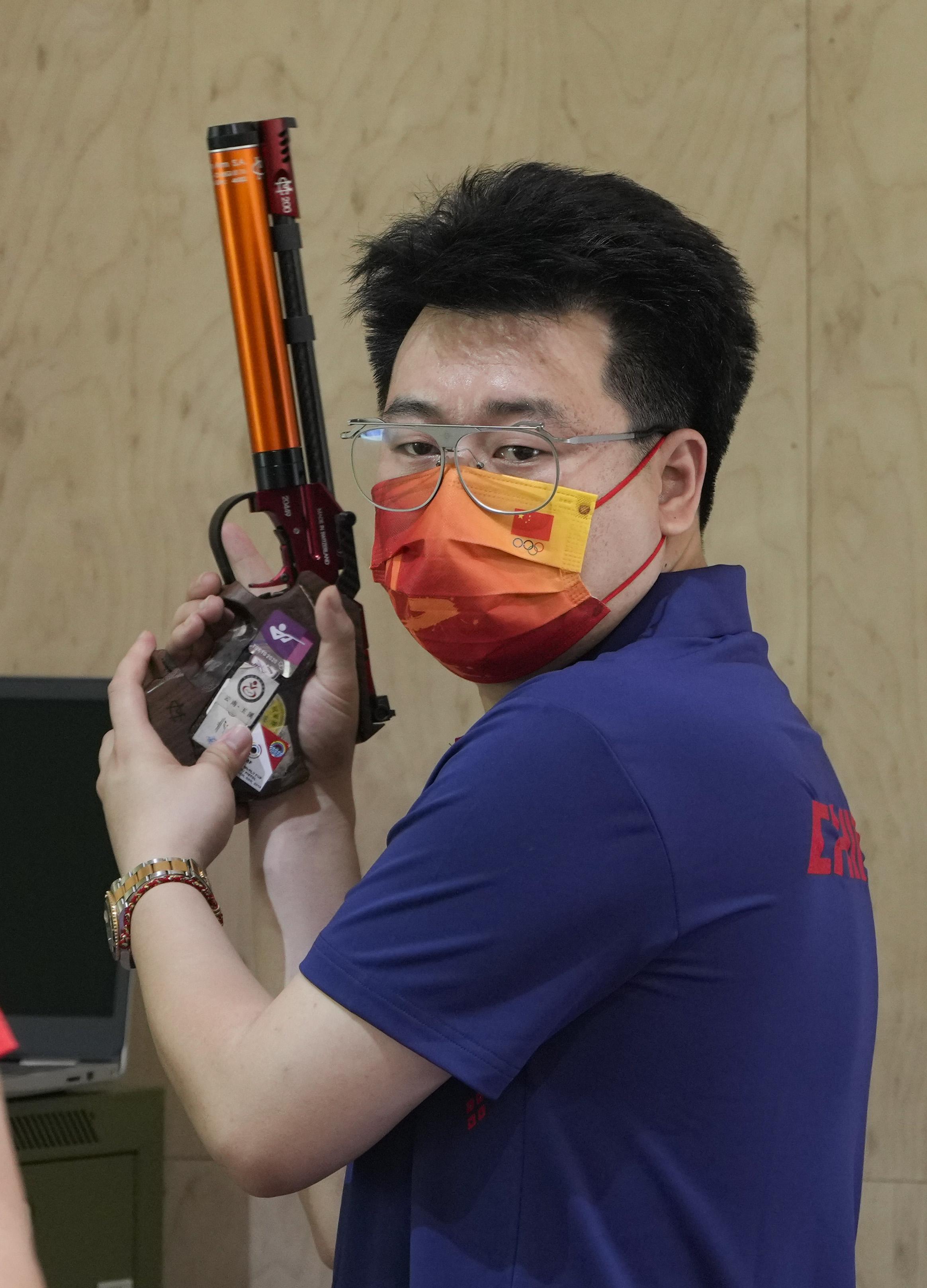 庞伟继续为了金牌冲击。