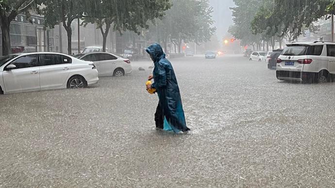 """台风""""烟花""""将于明日登陆浙江,河南仍需警惕阵性降水"""