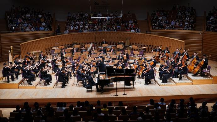 大提琴陈亦柏+钢琴张昊辰,一场协奏盛宴收官夏季音乐节