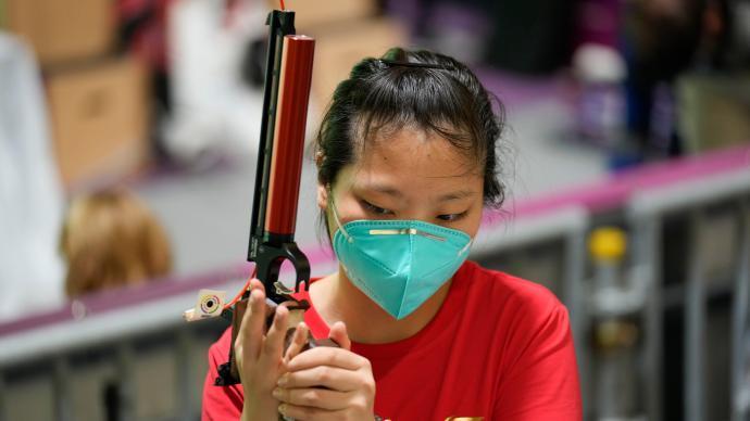 """中国""""00后""""再获奥运奖牌!姜冉馨女子10米气手枪摘铜"""