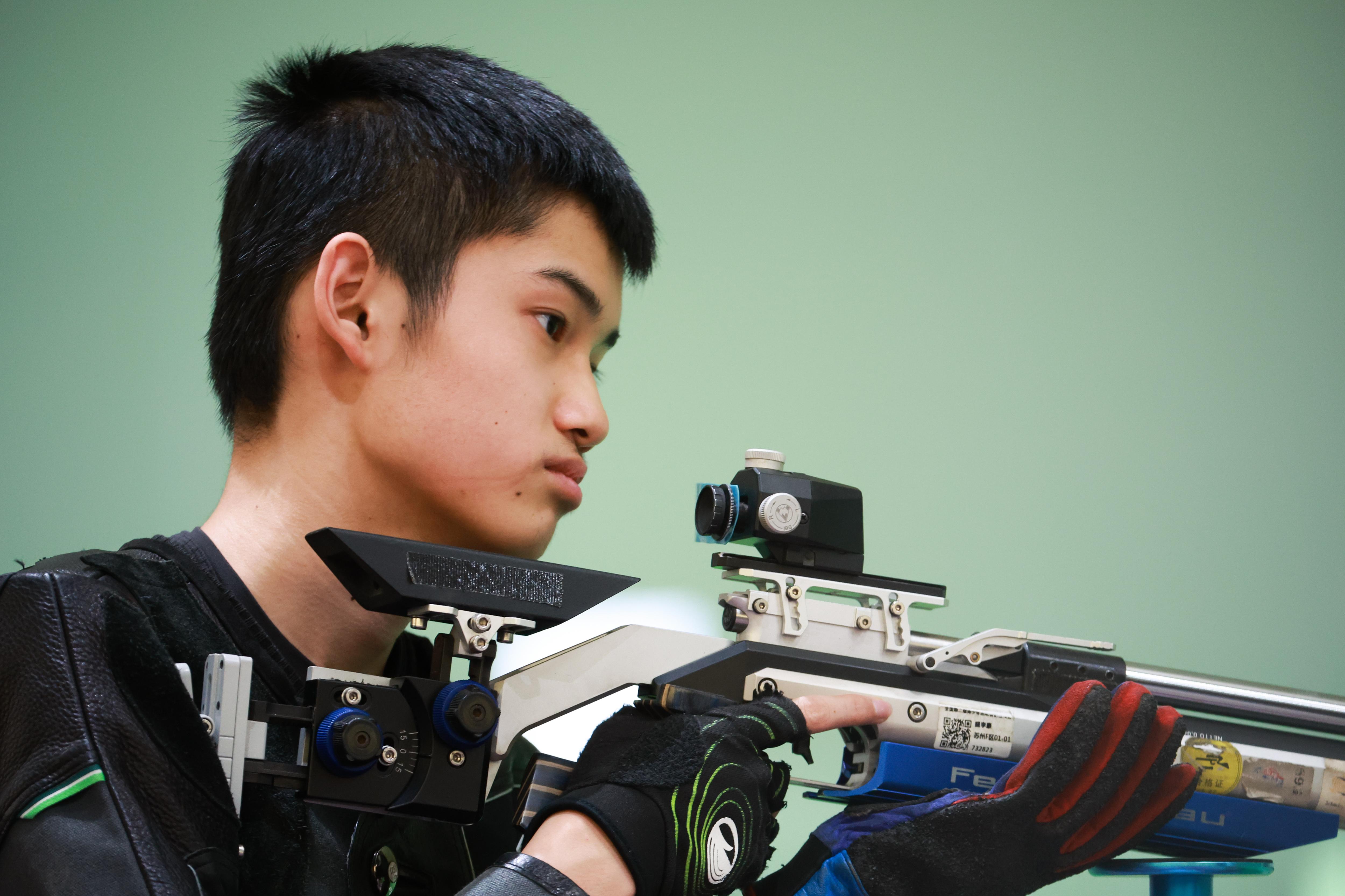 16岁的盛李豪。