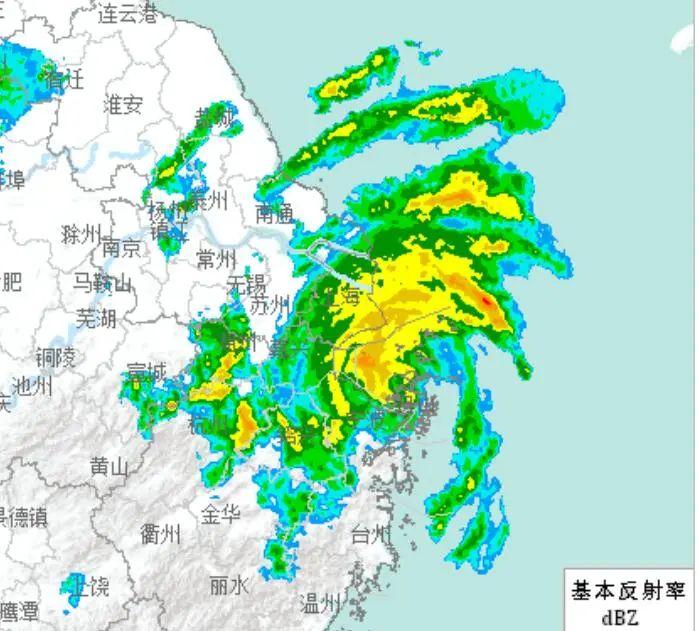 """7月25日22时42分,台风""""烟花""""雷达回波图。"""