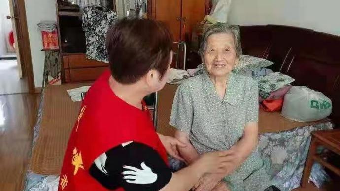 上海金山已将150余名高龄独居老人转移至集中安置点