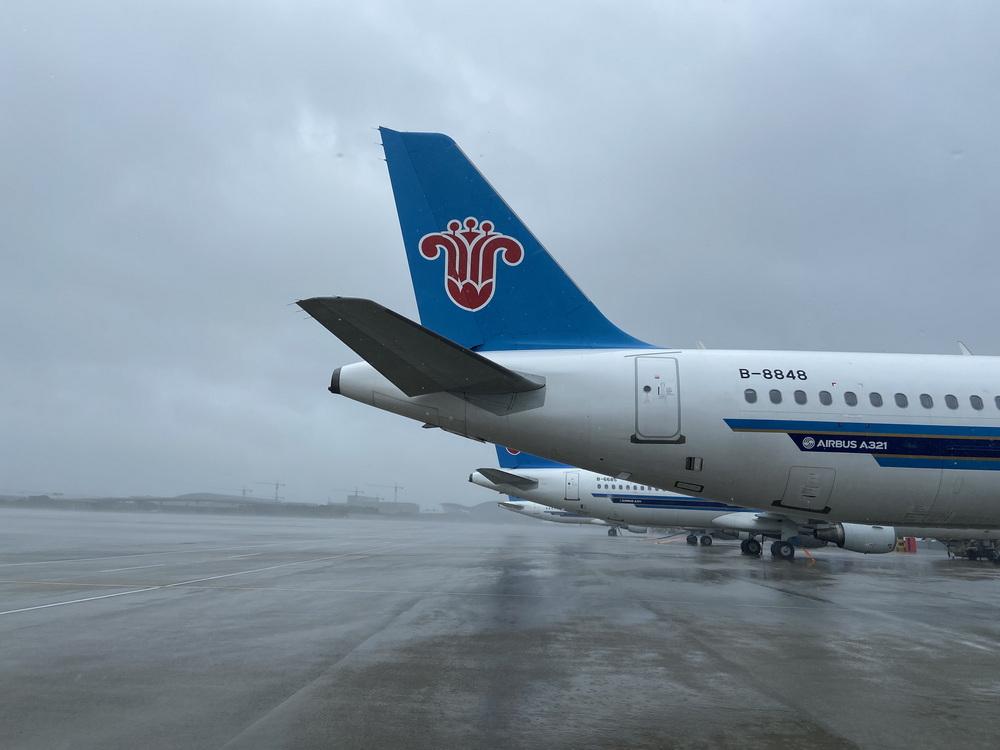 南航计划逐步恢复7月26日15时以后在上海两大机场的进出港航班。南航图