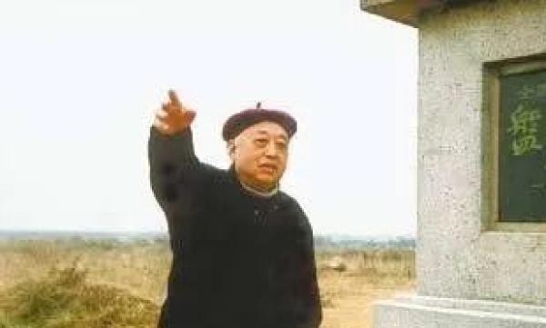 """""""武汉文物保护第一人""""的蓝蔚先生"""