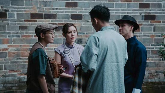 《今时今日安仁·乐境印象》,观众与演员在交流。