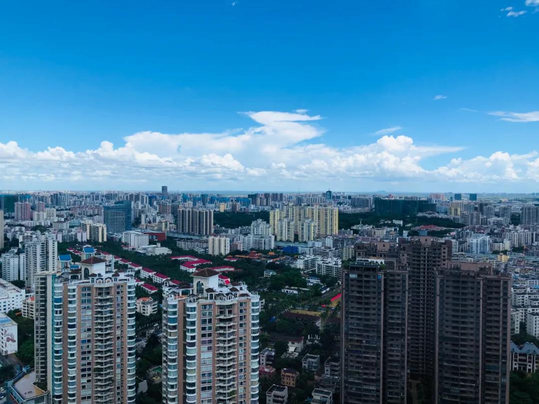 行业人士称,海南楼市供给紧张只是个别区域和楼盘(本报资料图片)。