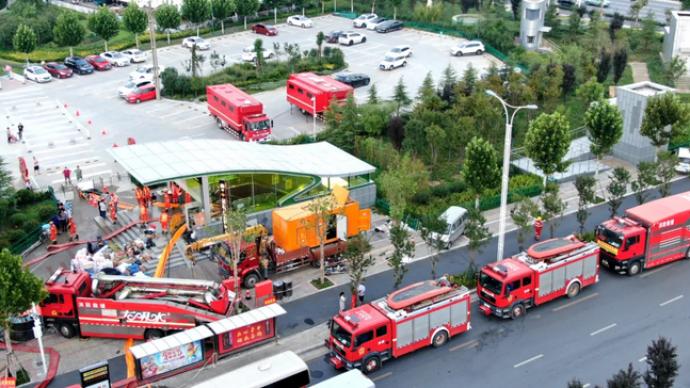 山西消防披露郑州地铁5号线儿童医院站积水情况:最深处6米