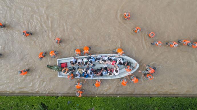 澳门霍英东基金会捐资1000万元支援河南救灾抢险