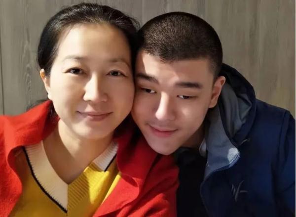 必晟平台登录:高考687分的重症眼疾学子刘翰文已收到北大录取通知书