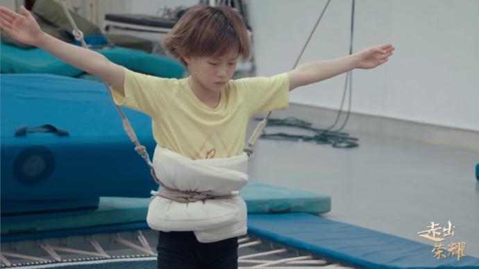 这部纪录片从4年前就开始记录陈芋汐的奥运之路