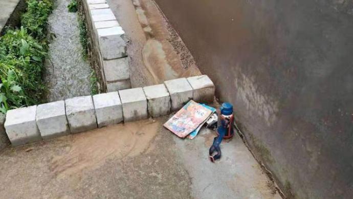 婺源一小学生放学被同村村民接走意外溺亡,家长起诉校方获受理