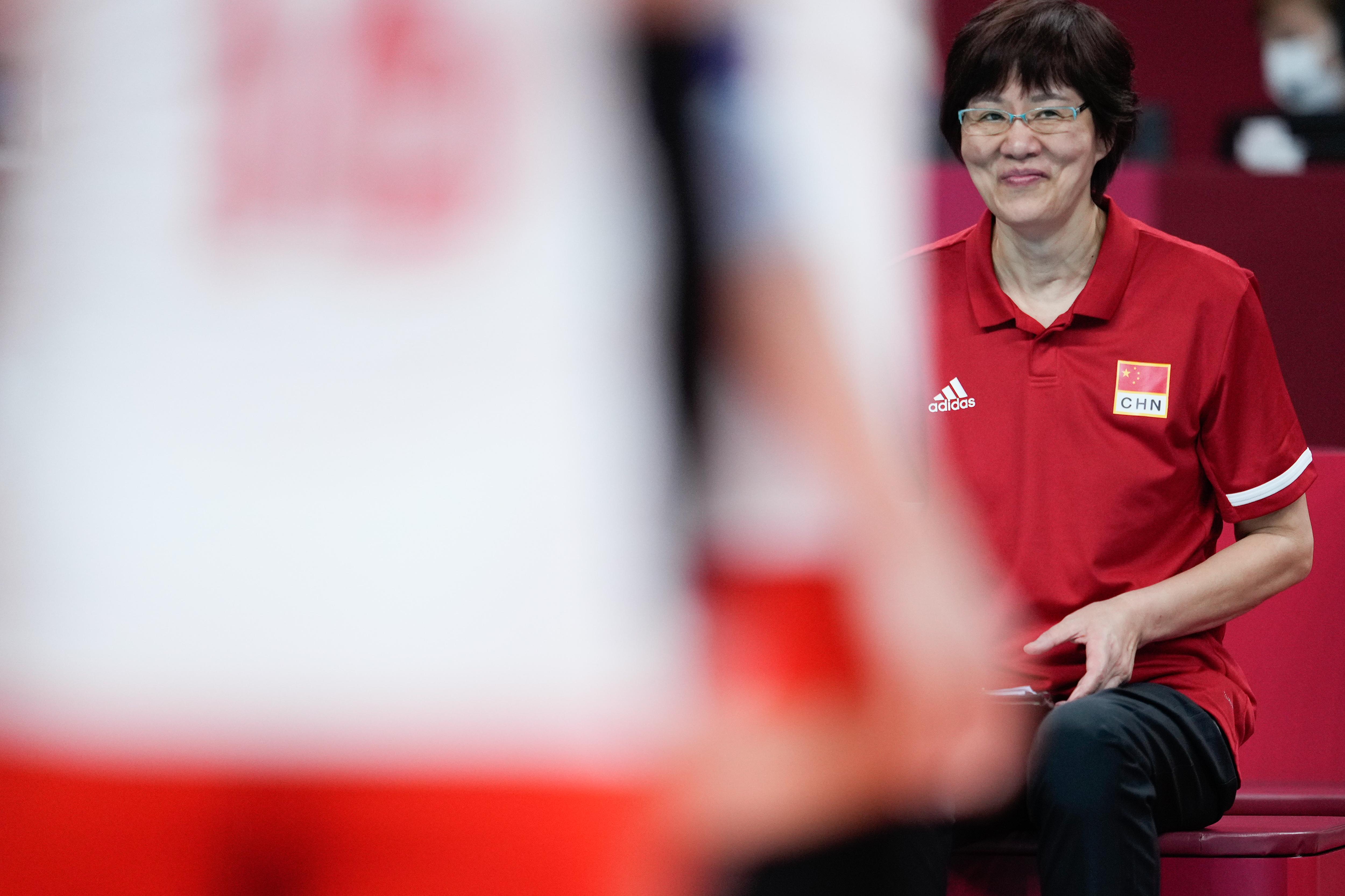 郎平教练的脸上曾经有过笑容。