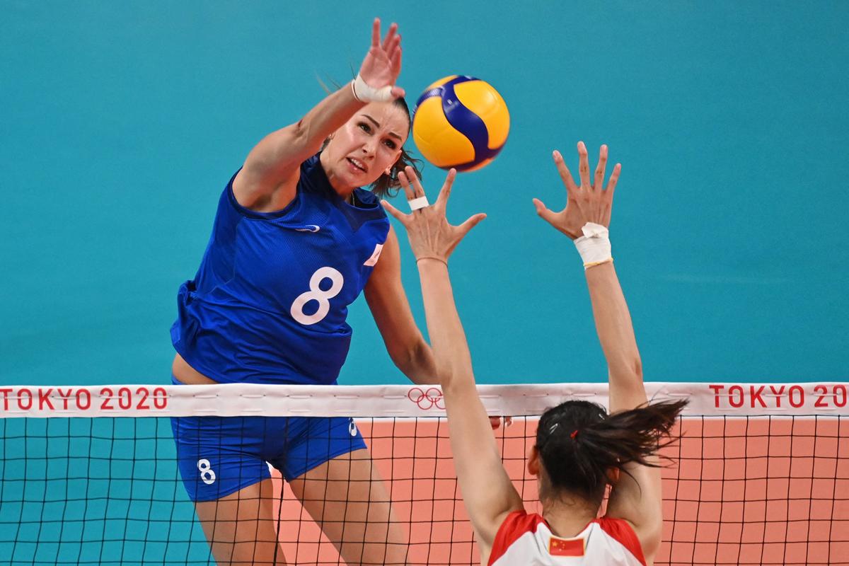 俄罗斯女排8号选手冈察洛娃攻势凶猛。