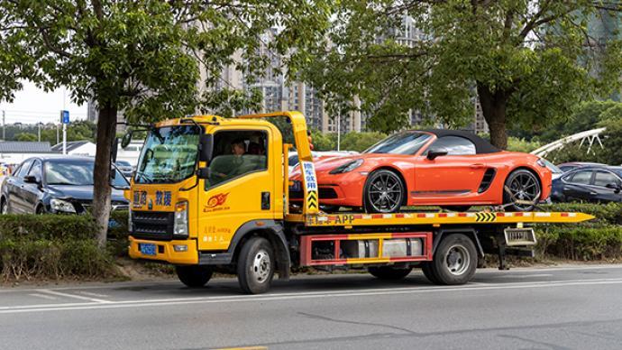 旺季工资最高可超2万元,拖车司机为何仍旧招工难?
