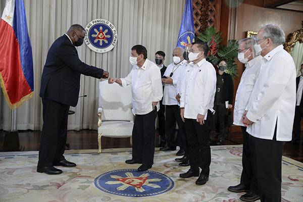 美国国防部长奥斯汀与菲律宾总统杜特尔特在马拉卡南宫会面。人民视觉 图