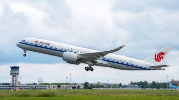 起底南京疫情源头航班:一年被熔断十次,核酸阳性旅客累计过百