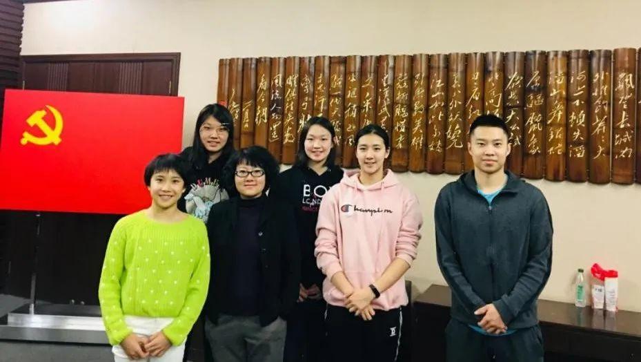 上海交通大学为范忆琳、柳雅欣、李冰洁、艾衍含等同学上门送教。