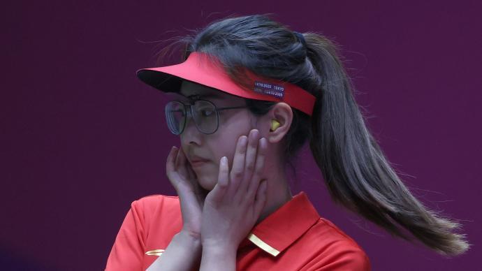 奥运女子手枪25米速射,19岁肖嘉芮萱拿下铜牌