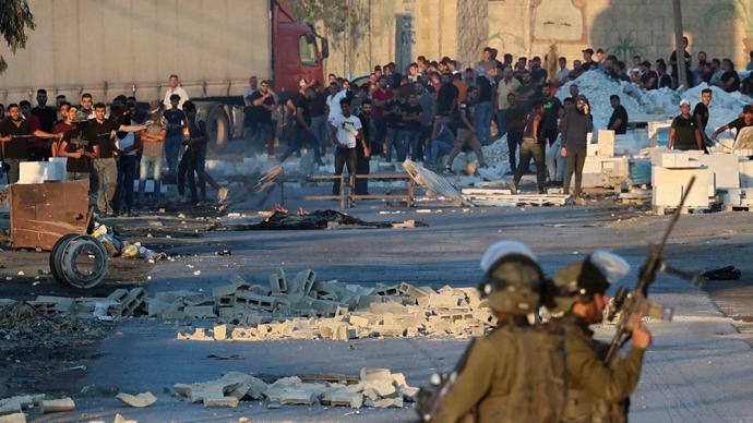 男童葬礼上巴勒斯坦人与以军起冲突,一名巴男子遭以军射杀